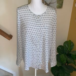 Tinley toad white button Down blouse size large